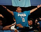 Foto: WOW! Maradona als een koning onthaald bij nieuwe club
