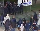 Foto: Supporters Genk zwaar over de schreef: politieagent afgevoerd