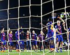 Foto: FC Barcelona struikelt met tien man in Catalaanse derby