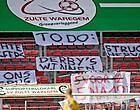 Foto: Zulte Waregem-fans nemen bestuur én Dury op de korrel