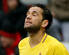 'Transfervrije Alves doet titanenstrijd losbarsten'