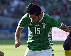 'Mexicaanse middenvelder gooit roet in Belgische transferplannen'
