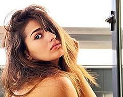Sexy flirt Isco zit Instagram in vuur met volledig naakte foto