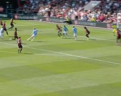 'Lucky assist' levert De Bruyne straf record op (🎥)