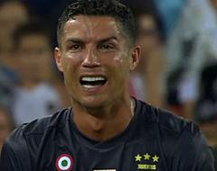 Video: Ronaldo pakt rood en verlaat huilend het veld