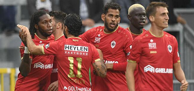 Foto: Antwerp speelt meteen in op leidersplaats met opvallend supportersitem