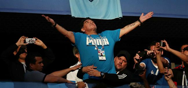Foto: Maradona gaat los op Argentinië: