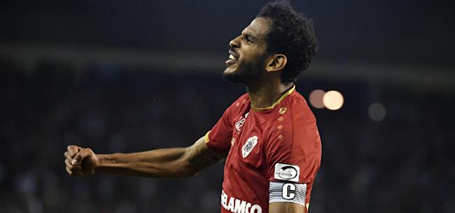 Foto: Haroun verrast en tekent nieuw contract bij Antwerp