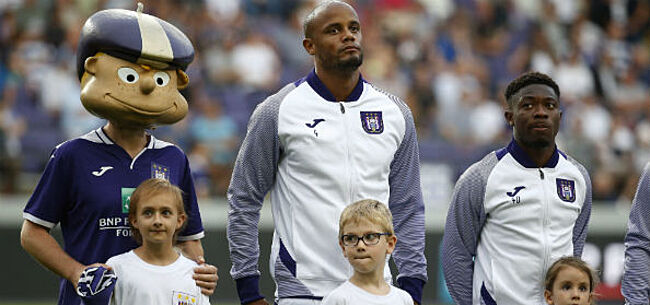 Foto: Youngster maakt indruk op Kompany:
