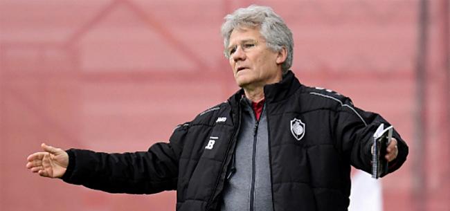 Foto: Bölöni wijst handvol spelers terecht: