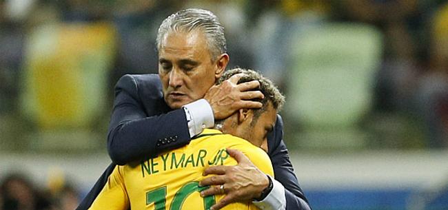 Foto: 'Gebroken Neymar stort in mekaar in gesprek met bondscoach'