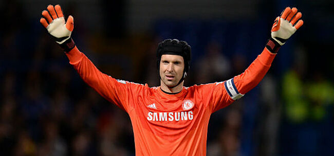 Foto: Iconische Chelsea-doelman keert terug ... als ijshockeyer