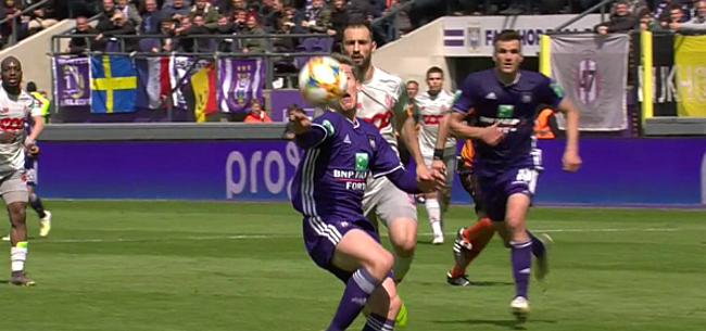 Foto: VAR helpt Anderlecht een handje: