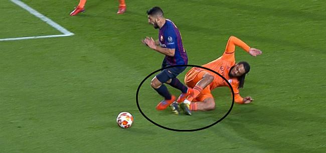 Foto: Barça krijgt discutabele penalty toegekend:
