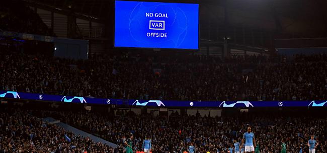 Foto: UEFA neemt ingrijpende beslissing over VAR
