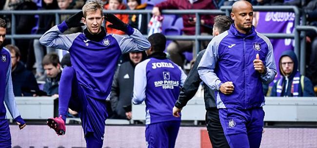 Foto: Vlap kijkt ogen uit bij Anderlecht: