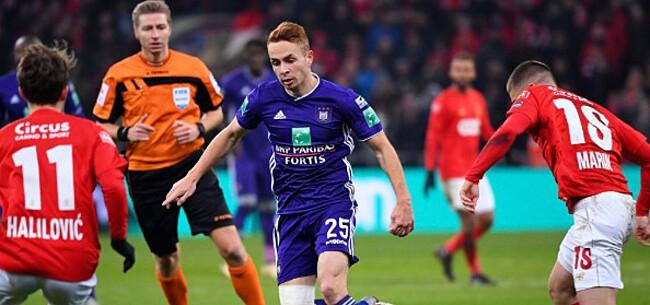 Foto: Adrien Trebel: bal ligt in zijn kamp om meerwaarde te zijn voor Anderlecht