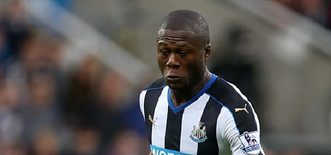 Foto: Newcastle-fans hebben duidelijke mening over transfer Mbemba naar Anderlecht