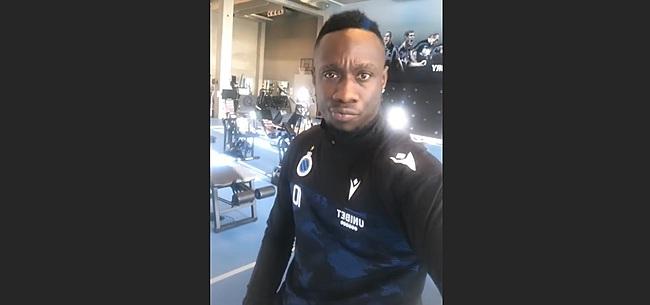 Foto: Mbaye Diagne valt op met blauw-zwart kapsel
