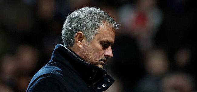 Foto: Mourinho krijgt er stevig van langs na pijnlijke exit United