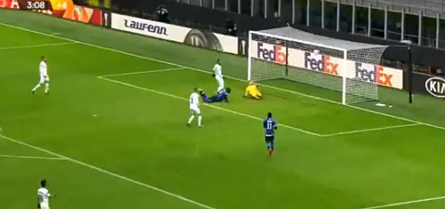 Foto: Onwaarschijnlijk doelpunt Lukaku gaat Europa rond: