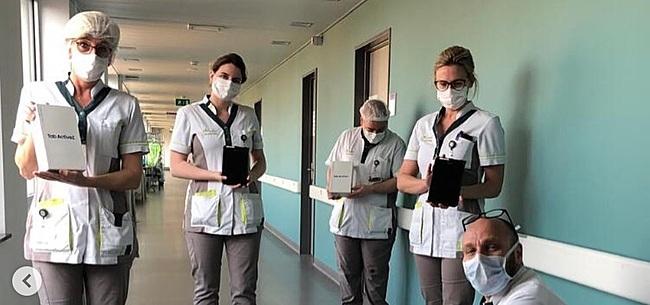 Foto: Mignolet toont goed hart en doneert tablets aan ziekenhuis in Sint-Truiden