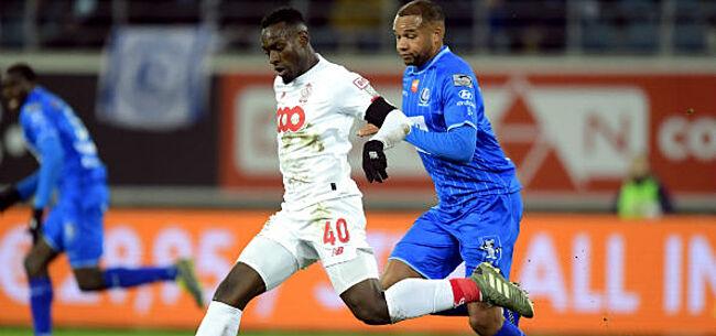 Foto: Mpoku krijgt volle laag na Gent-Standard:
