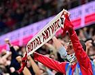 """Foto: Antwerp-fans lachen met malaise Beerschot: """"Carnaval!"""""""