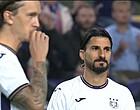 Foto: Bizar: Anderlecht moet vlak voor aftrap van truitje wisselen