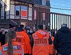 Foto: Woedende fans blokkeren spelers Standard én Anderlecht (🎥)