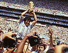 Foto: Nationale rouw in Argentinië, Napoli plant opvallend eerbetoon Maradona