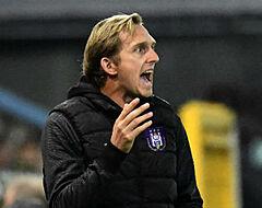 'Vier clubs ontkennen gesprekken met De Roeck'