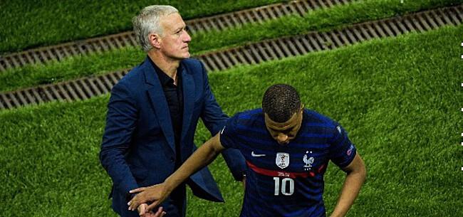 Foto: Gebroken Mbappé reageert op strafschop-drama