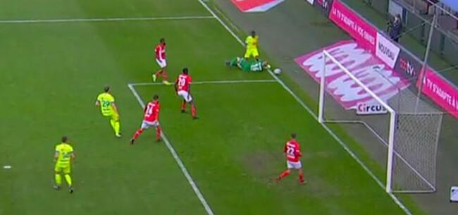 Foto: Oud-ref klaar en duidelijk over penaltyfase Standard-Gent