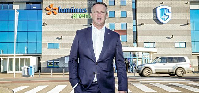 Foto: Van den Brom officieel van Genk: Utrecht reageert duidelijk
