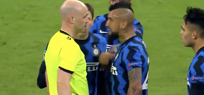 Foto: Zware kritiek na rode kaart Vidal: