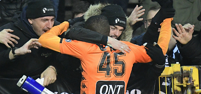 Foto: Wolfsburg bevestigt transfer Osimhen: Charleroi kan miljoenen pakken