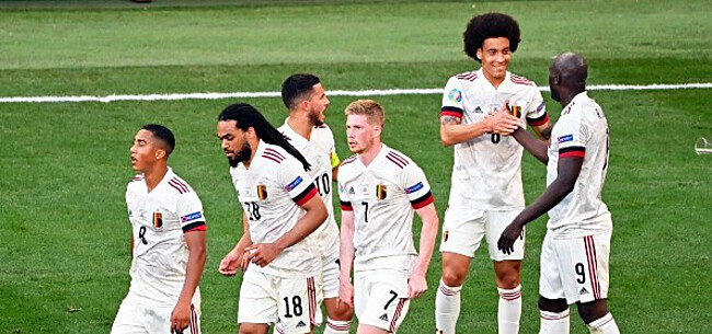 Foto: Nederland lacht in zijn vuistje: