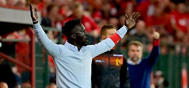 Foto: Standard-fans schreeuwen massaal om ontslag Leye