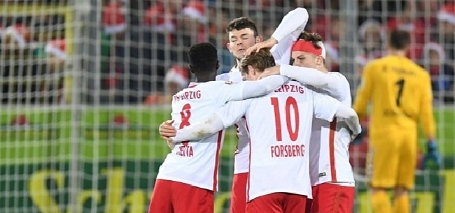 Foto: RB Leipzig grijpt koppositie, Hazard alweer onderuit