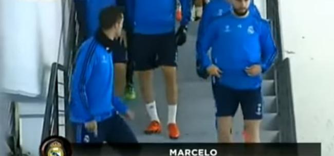 Foto: Jaloezie? Ronaldo grapt met ploeggenoten over spraakmakende penalty Messi